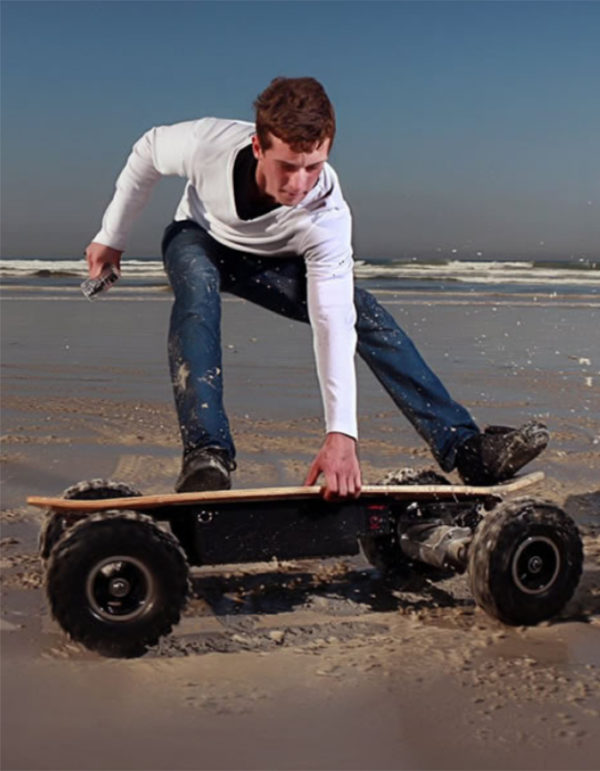 Electric-Skateboard-ePromo-on-Beach